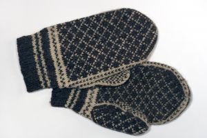 413605_old_mittens-1